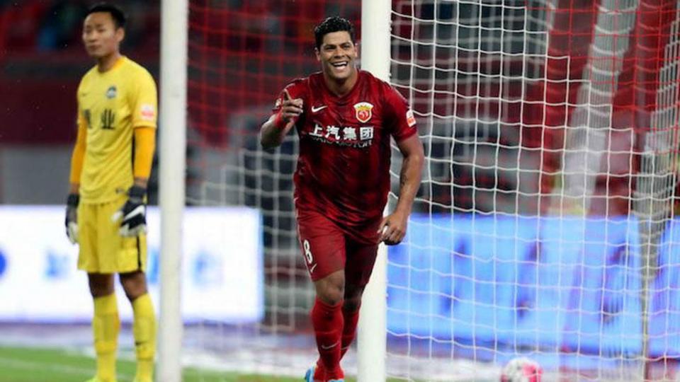 «Гуанчжоу Эвергранд» стал чемпионом Китая, Халк забил гол и не реализовал пенальти в матче «Шанхая»
