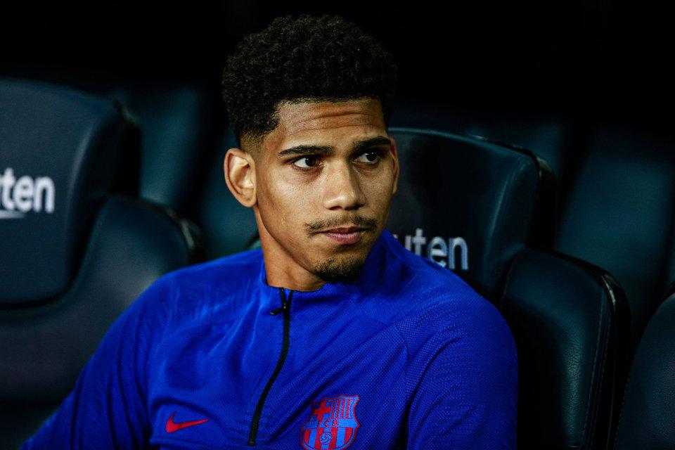 СМИ: Араухо сменил агентов и намерен продлить контракт с «Барселоной»