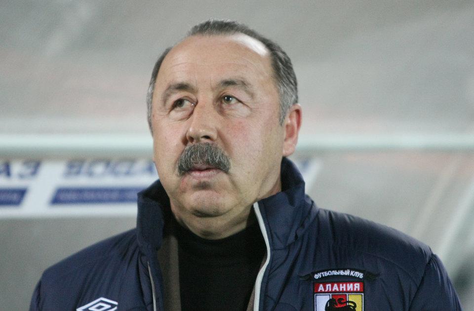 Газзаев прокомментировал идею ограничения зарплат молодых футболистов