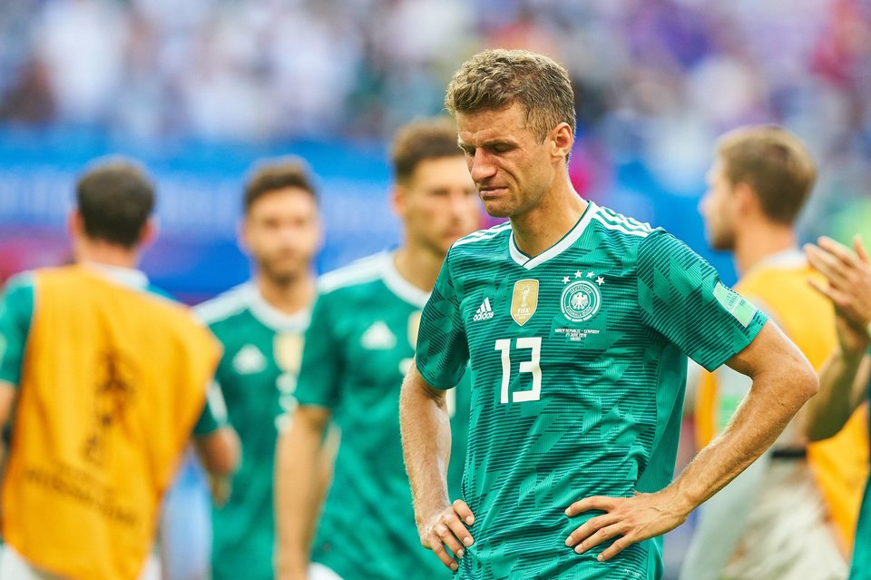 Нидерланды разгромили Германию в рекордном матче Лева, Промес отдал голевой пас