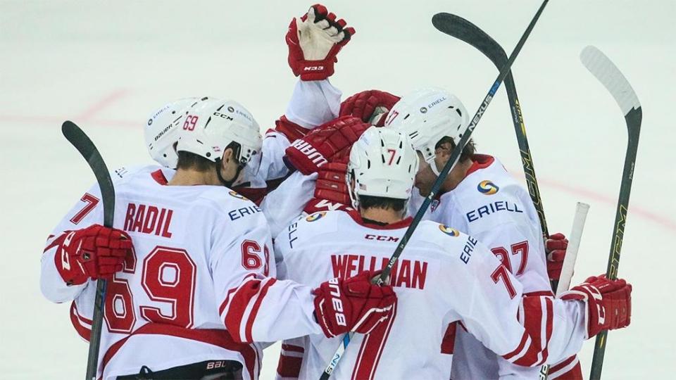 «Спартак» переиграл СКА в Петербурге, забросив 4 шайбы