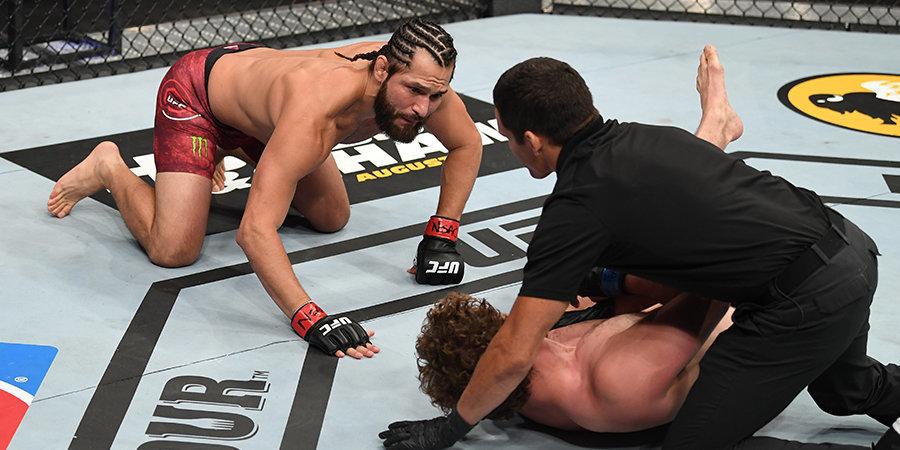 Самый быстрый нокаут в истории UFC. Уличный боец вырубил борца-олимпийца