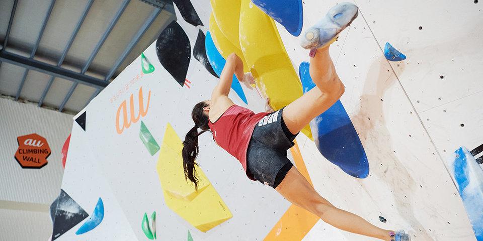 Россиянка обновила мировой рекорд на ЧЕ по скалолазанию