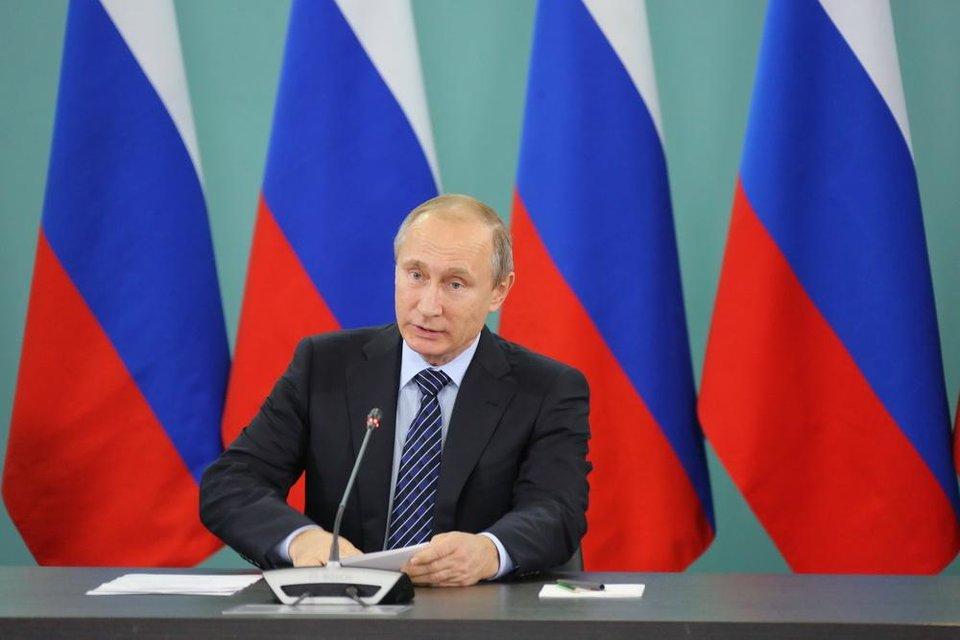 Путин поздравил российских пловчих с золотом Универсиады