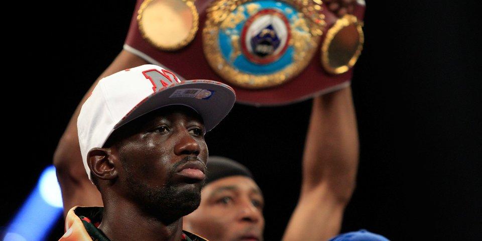Впервые за 12 лет в боксе появился абсолютный чемпион мира. Кто он такой