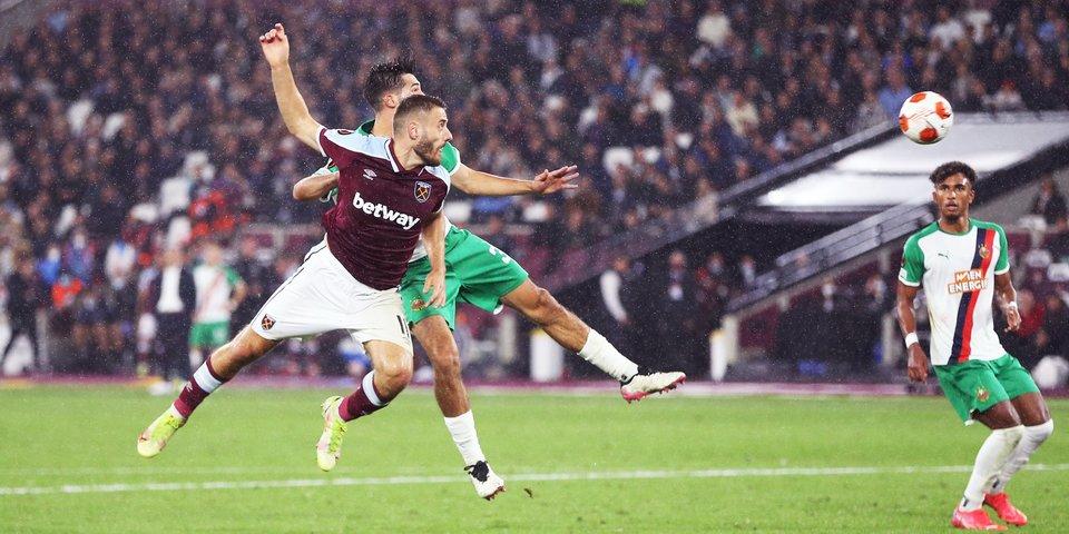 «Байер» разгромил «Селтик», «Вест Хэм» победил «Рапид» в Лиге Европы