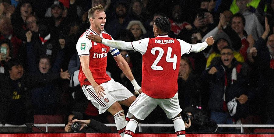 «Арсенал» забил 5 мячей «Ноттингему», «Ман Сити» — 3 «Престону», а «Тоттенхэм» вылетел от середняка четвертой лиги. Жара в Кубке лиги (обзоры)