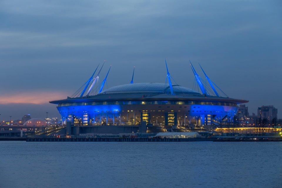 На «Газпром Арене» в новогоднюю ночь прошло светомузыкальное шоу