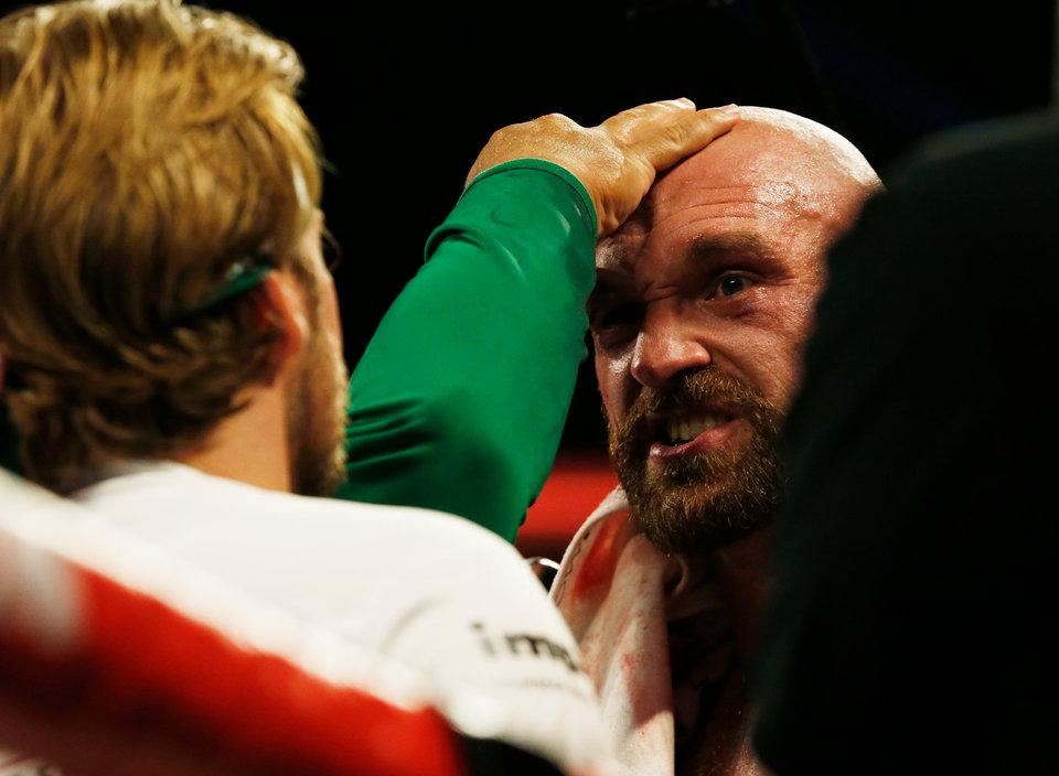 Экс-чемпионы UFC Макгрегор и Мир согласны подготовить Тайсона Фьюри к дебюту в промоушене
