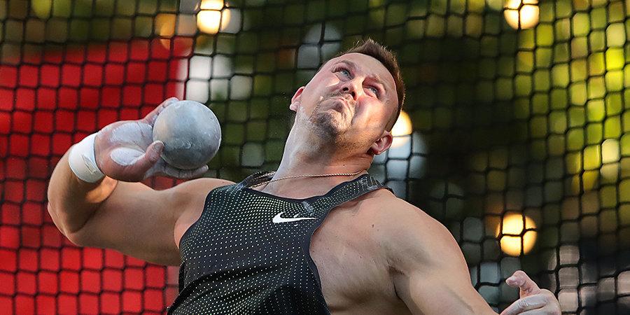 Зимой он полностью оторвал грудную мышцу. Сегодня Александр Лесной, отбросив страх, выиграл чемпионат страны