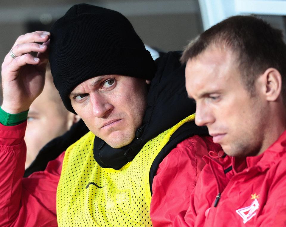 СМИ: Глушаков покинул стадион в сопровождении сотрудников службы безопасности