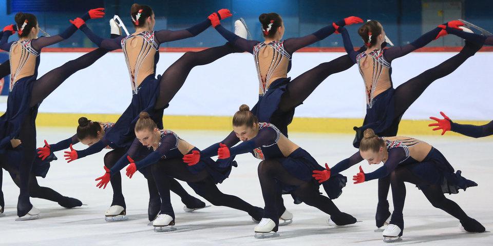 Во-первых, это красиво. Успей полюбить синхронное катание до того, как оно стало олимпийским видом