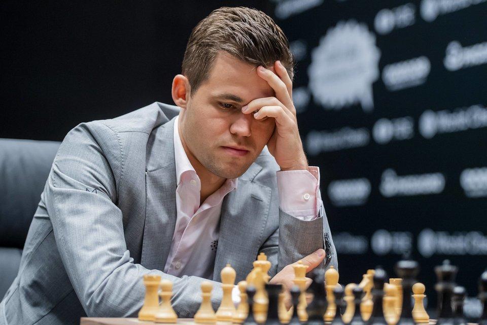 Карлсен и Каруана сыграли вничью в седьмой партии матча за шахматную корону