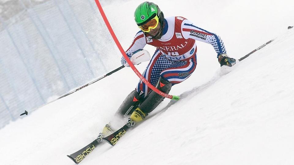 Хорошилов стал третьим на этапе Кубка Европы по лыжному слалому