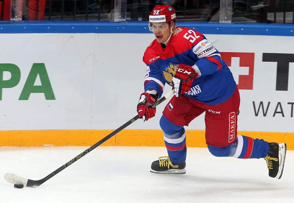 Широкова увезли на обследование после матча России с Финляндией