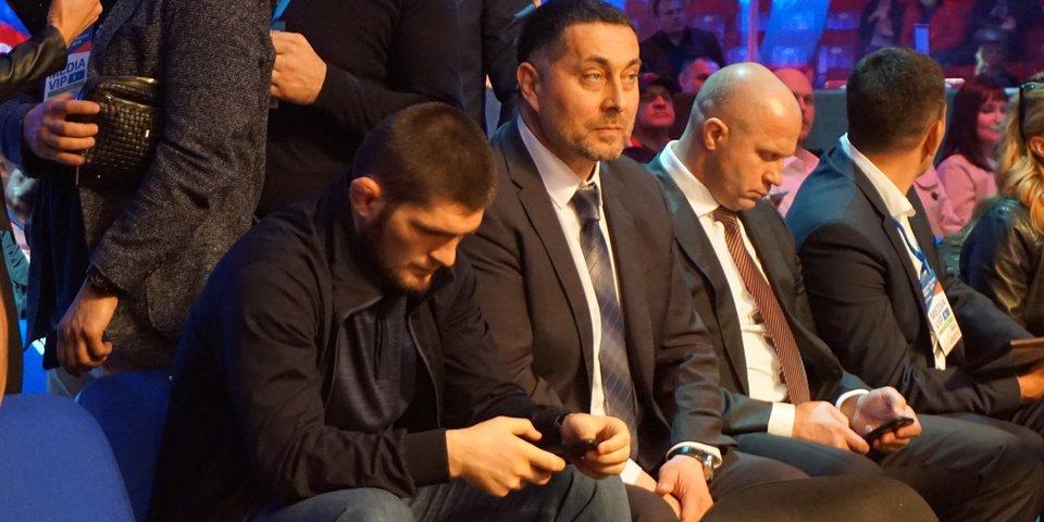 Хабиб и Федор Емельяненко смотрели бои из первого ряда. Угадаете, кто дрался?