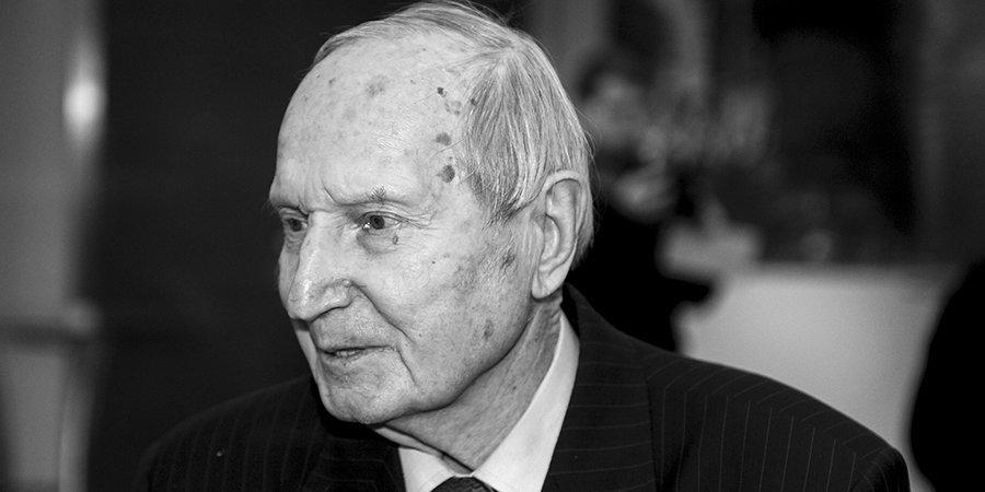 Скончался первый чемпион мира в составе сборной СССР по хоккею Виктор Шувалов