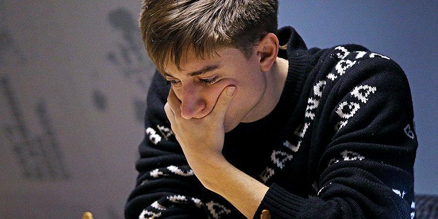 Дубов выиграл онлайн-турнир Карлсена, победив Накамуру в армагеддоне