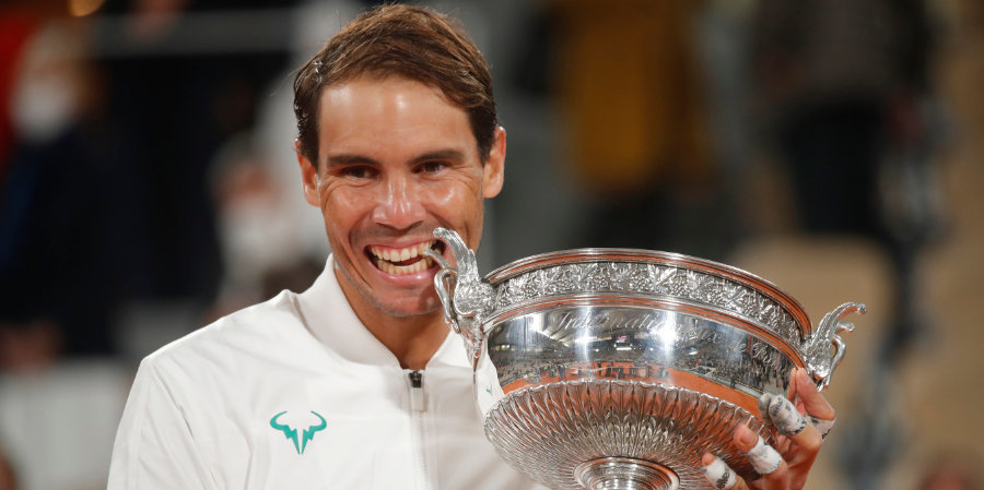 «Ролан Гаррос» — это турнир, в котором 127 теннисистов определяют, кто проиграет Надалю в финале». Wikipedia отредактировала описание турнира