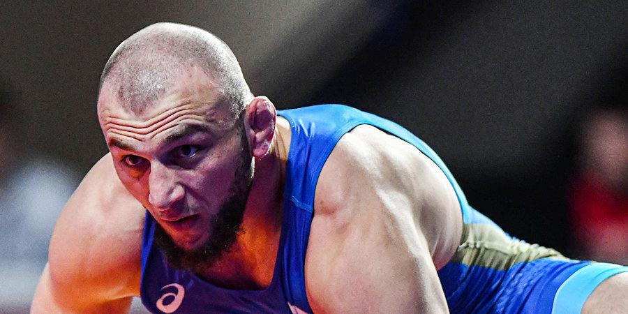 Курбанов стал серебряным призером ЧМ в весе до 92 кг
