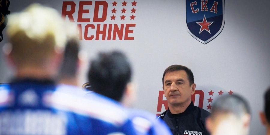 «Да, мы тренируем стиль игры как у «Барселоны» и «Ливерпуля». Это прессинг». Валерий Брагин — о новом СКА
