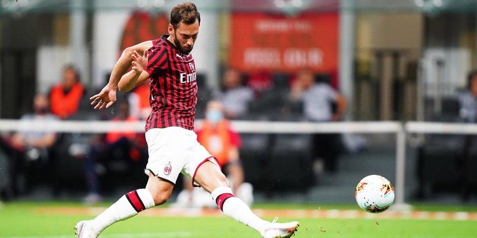 Чалханоглу продлит контракт с «Миланом» до 2024 года