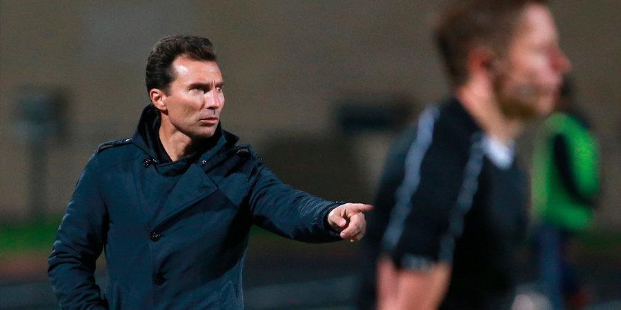 «Будь я был болельщиком, сказал бы, что в России работает гениальный тренер». Александр Григорян — о сборной, судьях и воровстве в региональных клубах