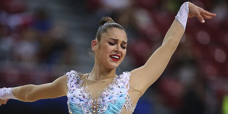Российская гимнастка попробовала себя в фигурном катании