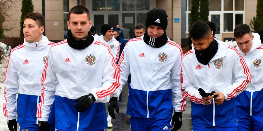 Отголоски дерби двух столиц, интервью Юрловой-Перхт и репортаж из стана сборной России. Топ-тексты за 17 марта