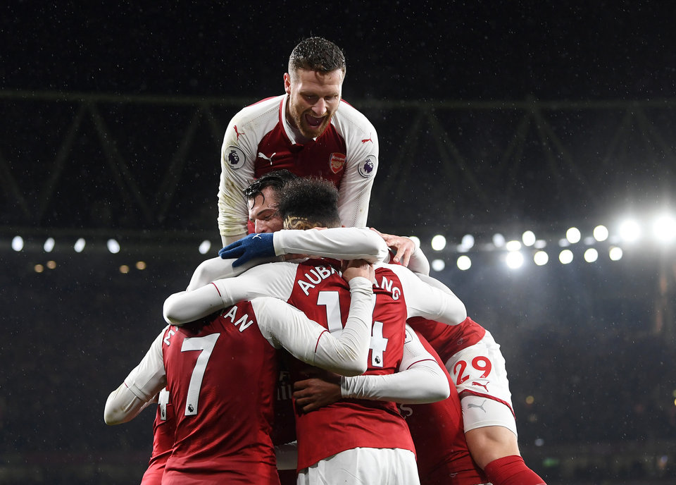 «Милан» всухую уступил «Арсеналу», «Зальцбург» добился победы над «Боруссией»