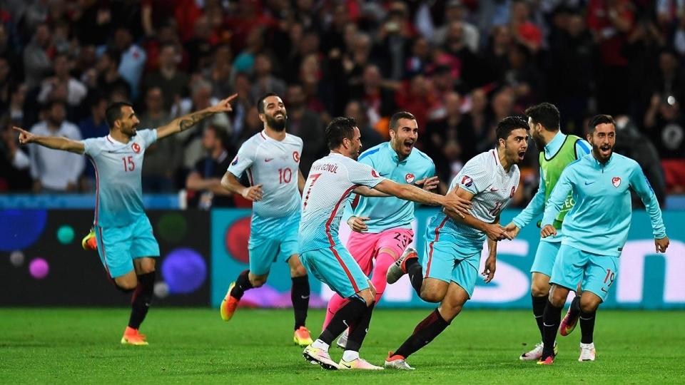 Сборная Турции вырвала победу уШвеции вконцовке матча Лиги наций