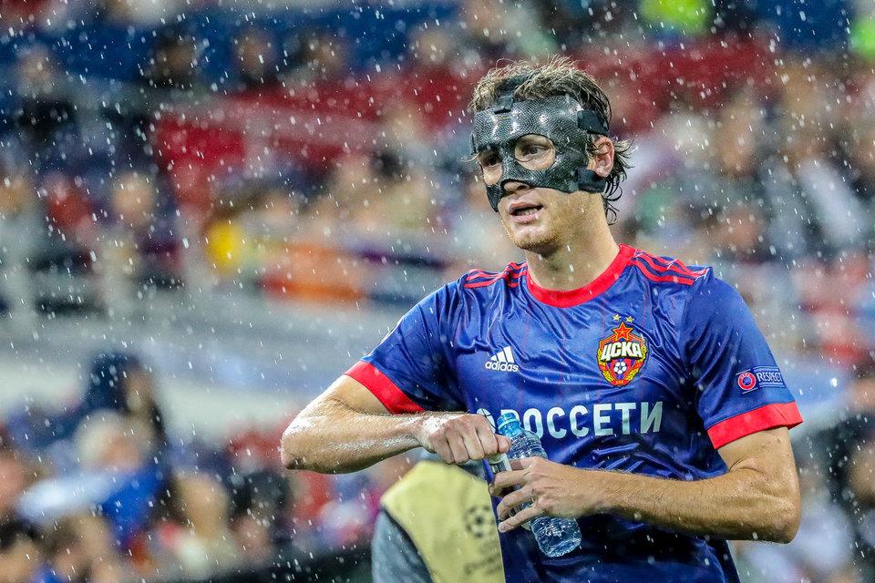 Марио Фернандес покинул поле на носилках в матче с «Динамо»