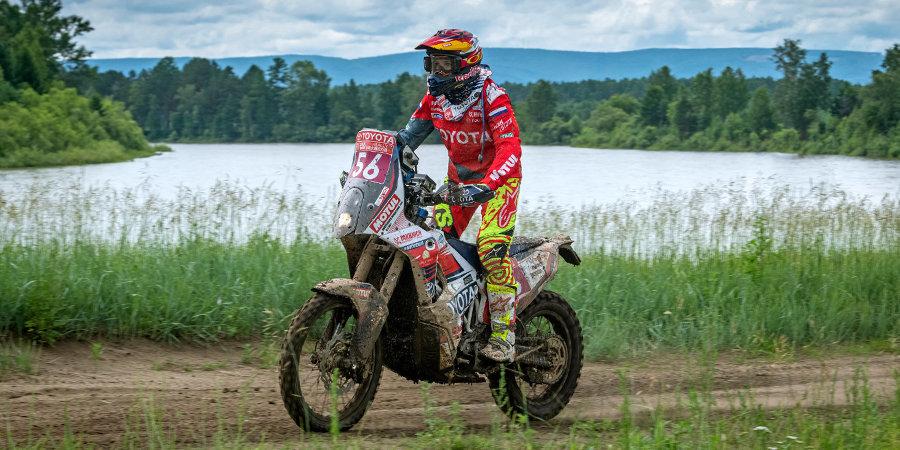 Нифонтова получила травму по ходу 4-го этапа ралли «Шелковый путь». Ее доставили в госпиталь вертолетом