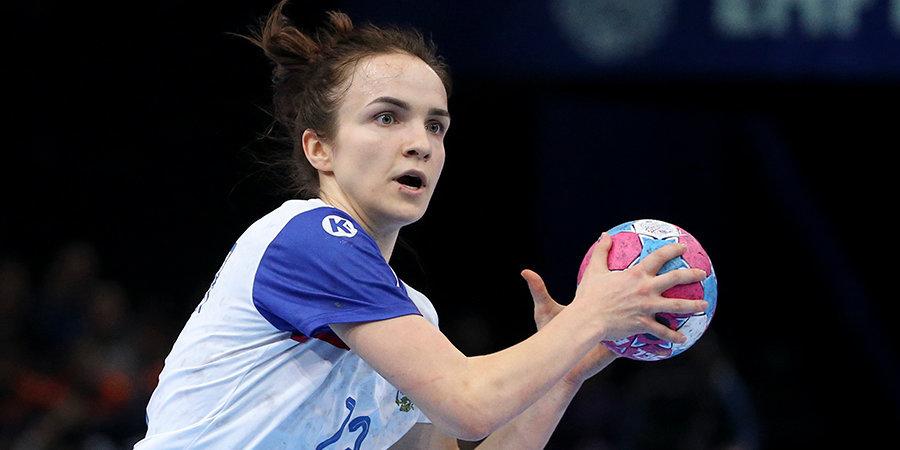 На ЧМ-2019 больше всех от соперниц достается Вяхиревой: коленом в ребро от аргентинки, рукой в лицо от конголезки