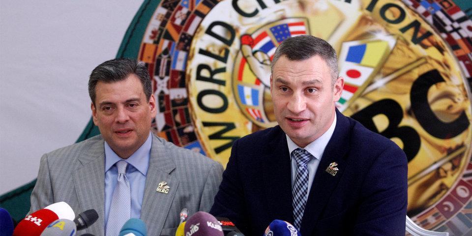 Кличко и Льюис провели новый бой в Киеве