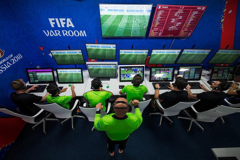 Леонид Калошин: «Пока не запустится VAR-центр, полноценное внедрение системы во всех матчах невозможно»