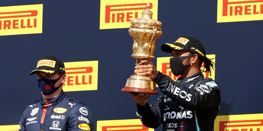Хэмилтон едва не упустил победу на домашнем Гран-при из-за лопнувшего колеса, Квят разбил свой болид