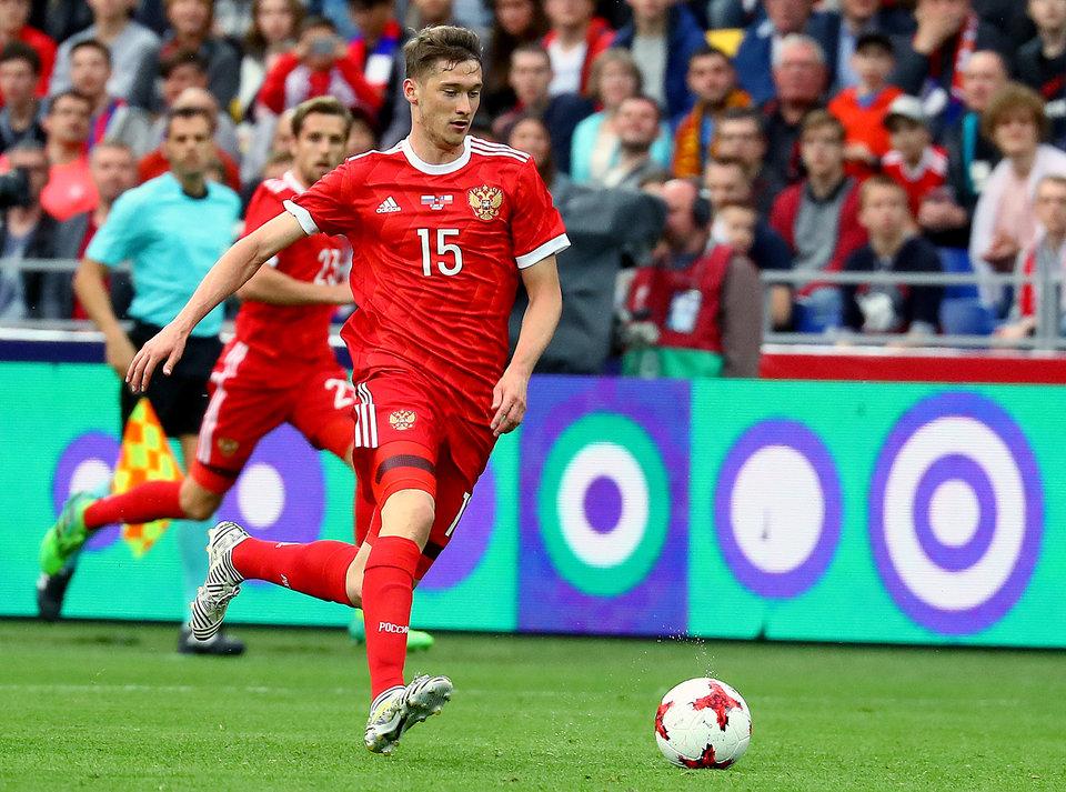 Миранчук успешно сдал экзамен, из-за которого пропустил тренировку сборной России