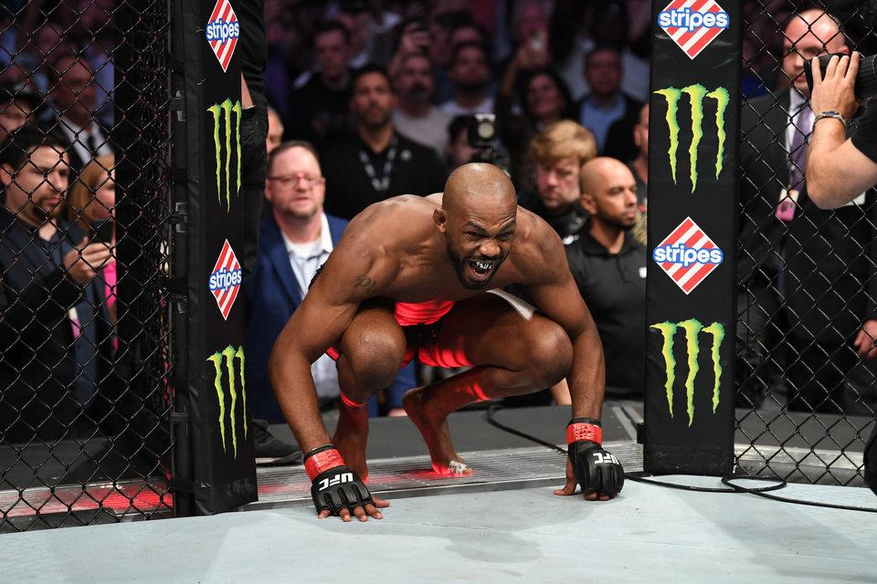 Романов оценил перспективы чемпиона UFC Джонса в тяжелом весе