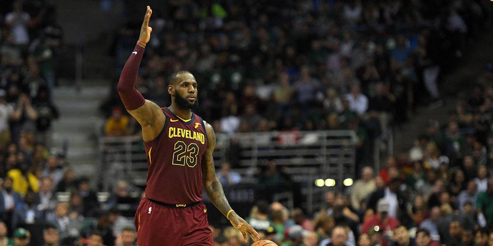 «Торонто» вышел в плей-офф НБА, 39 очков Джеймса помогли «Кливленду» обыграть «Денвер»