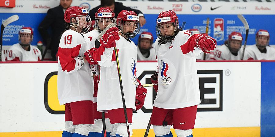 Финляндия разгромила Россию на женском чемпионате мира