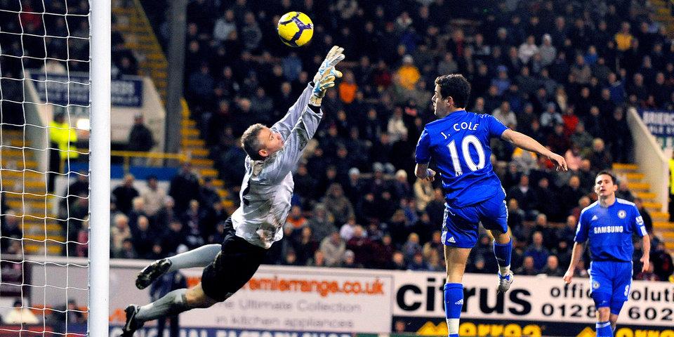 «С мячом он так же хорош, как и Месси». Один из самых больших талантов Англии завершил карьеру