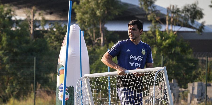 Тренера сборной Аргентины Айялу ограбили под угрозой пистолета