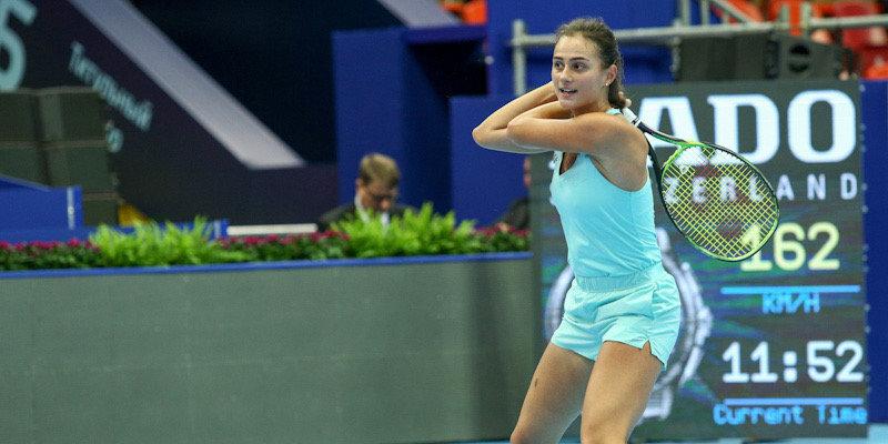 Гасанова за два часа проиграла Соррибес на турнире в Абу-Даби