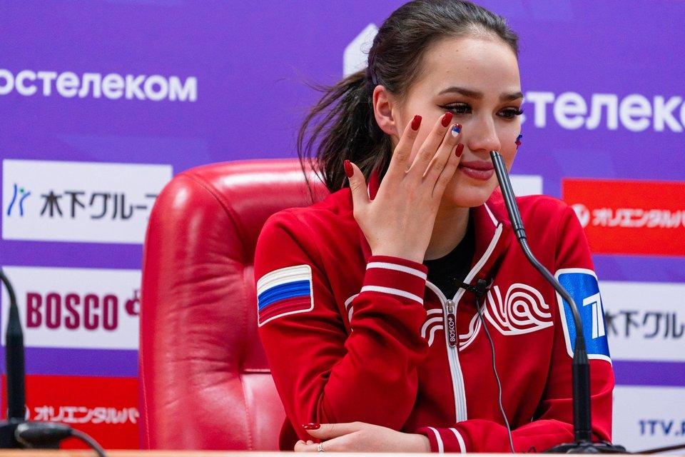 Алина Загитова — об учебе в университете: «Бывает тяжело, учу до ночи»