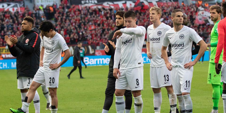 7 голов за один тайм — 6 из них пропустил претендент на ЛЧ. В Германии прошел самый удивительный матч сезона. Видео