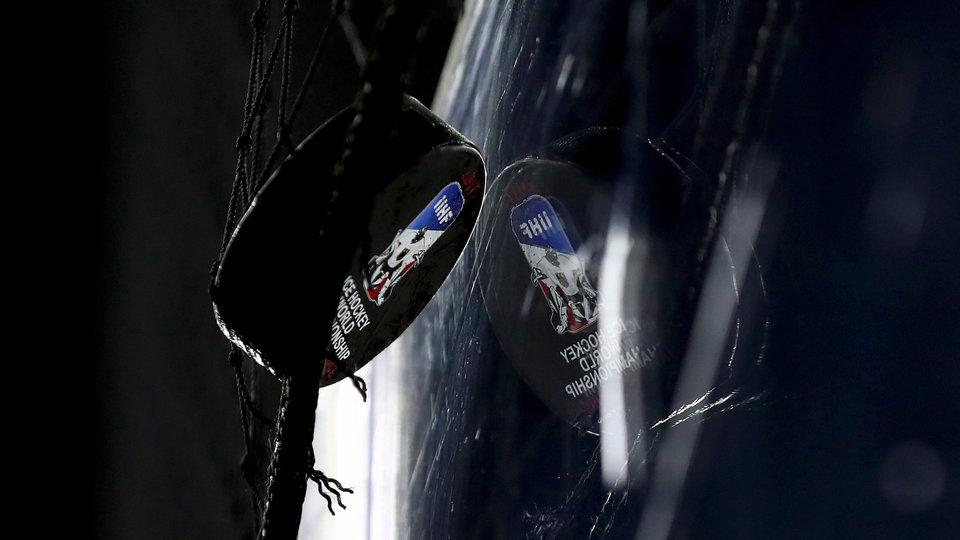 «Коламбус» сохранил конкурента Бобровского еще на один год