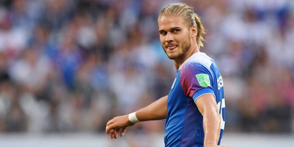 Игрок сборной Исландии набрал 900 тысяч подписчиков после выхода на замену
