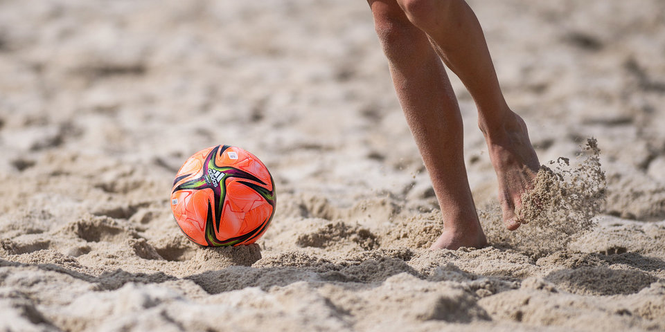 Испания вышла в четвертьфинал ЧМ по пляжному футболу