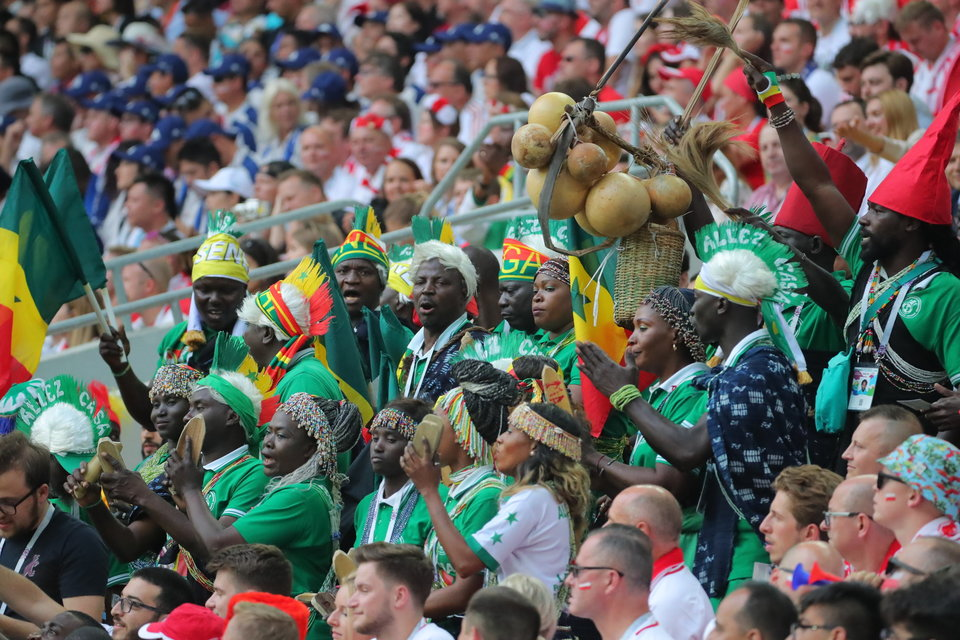 Болельщики Сенегала и Японии самостоятельно убрали мусор со стадионов после матчей ЧМ